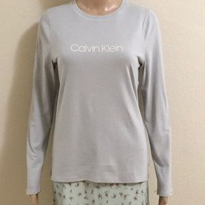 New Calvin Klein T shirt size S